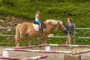 Reitkurs auf der Heidi Alm, bei dem mit Pferden die herrlichen Nockberge durchquert werden